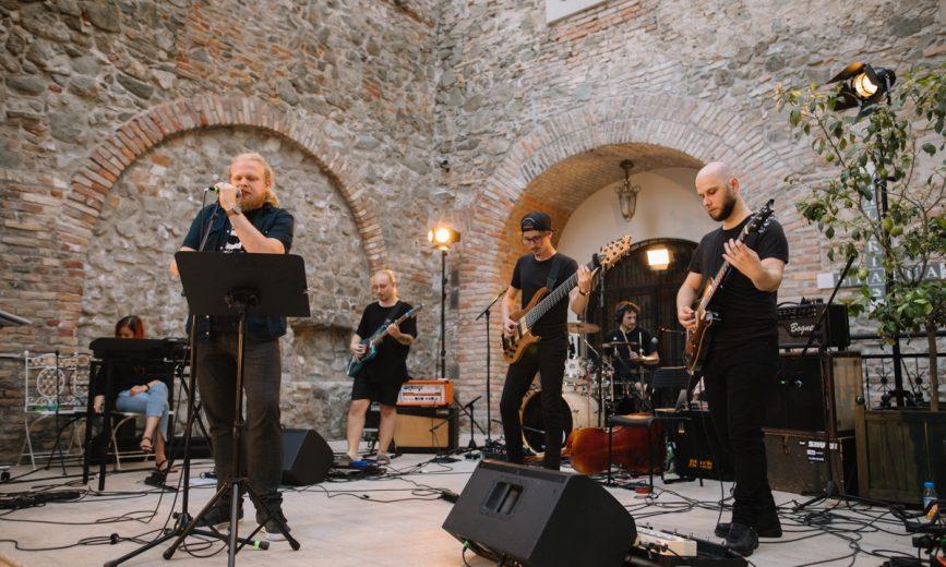 2v1 / Koncert Janko Silan – živý básnik – Štefan Chrappa & Piráti krásy